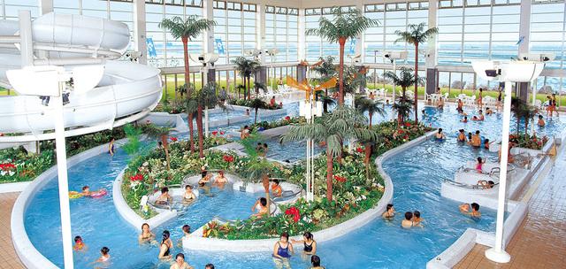 龍宮城ホテル三日月の室内プール