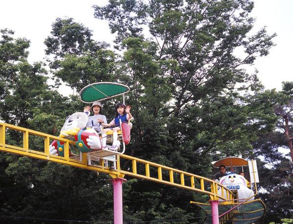むさしの村で子供が楽しんでいた乗り物